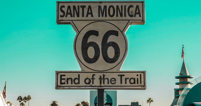 Rt 66 Santa Monica end of trail sign