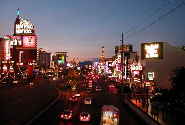 hot months cheap las vegas getaways