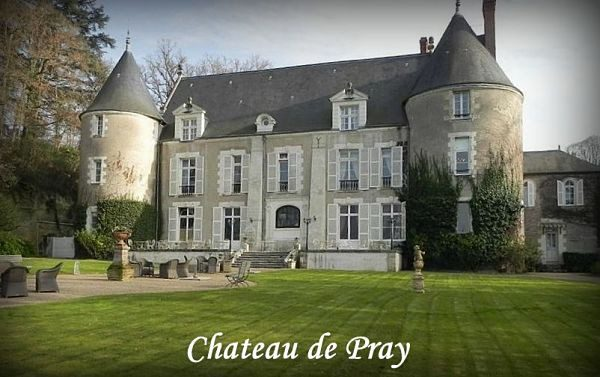 Castles to stay in France - Chateau de Pray